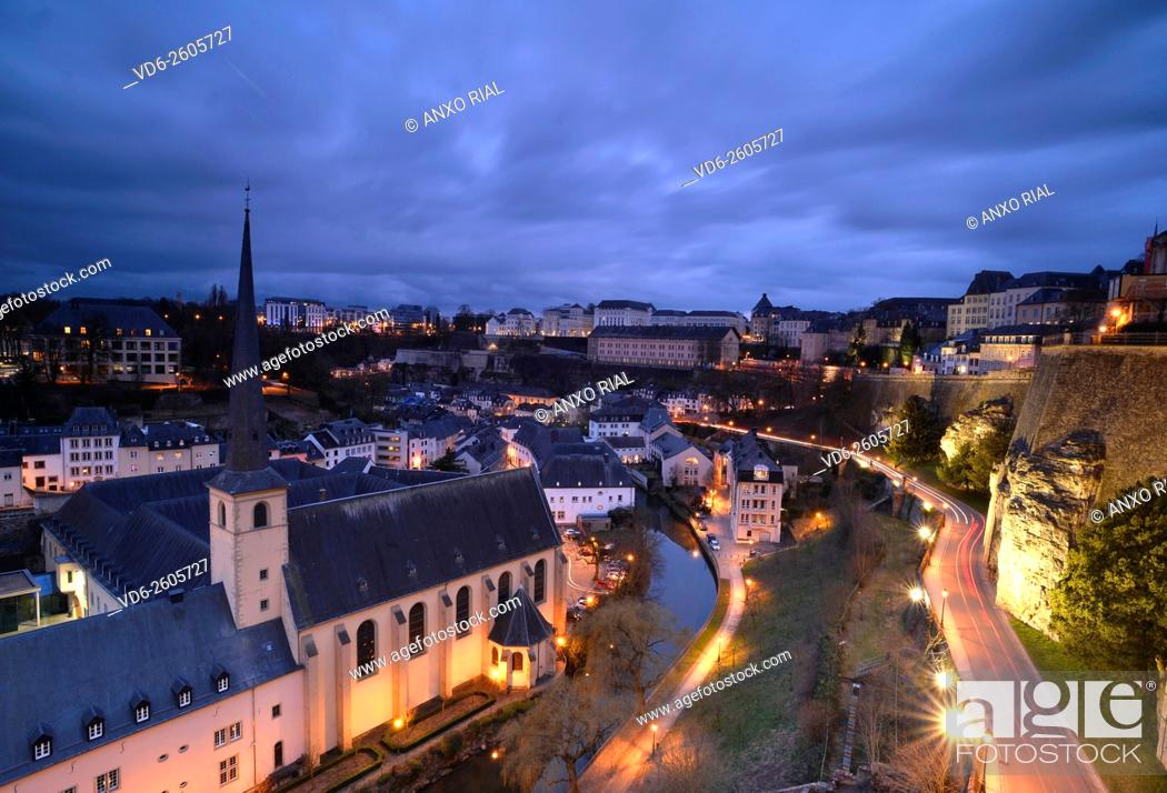 Imagen: Grand Duchy of Luxembourg. Luxembourg city (World Heritage). Grund district. Neumunster Abbey with the Alzette River.