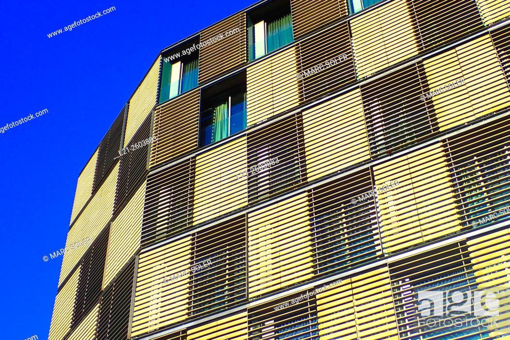 Imagen: Apartment building. Barcelona, Catalonia, Spain.