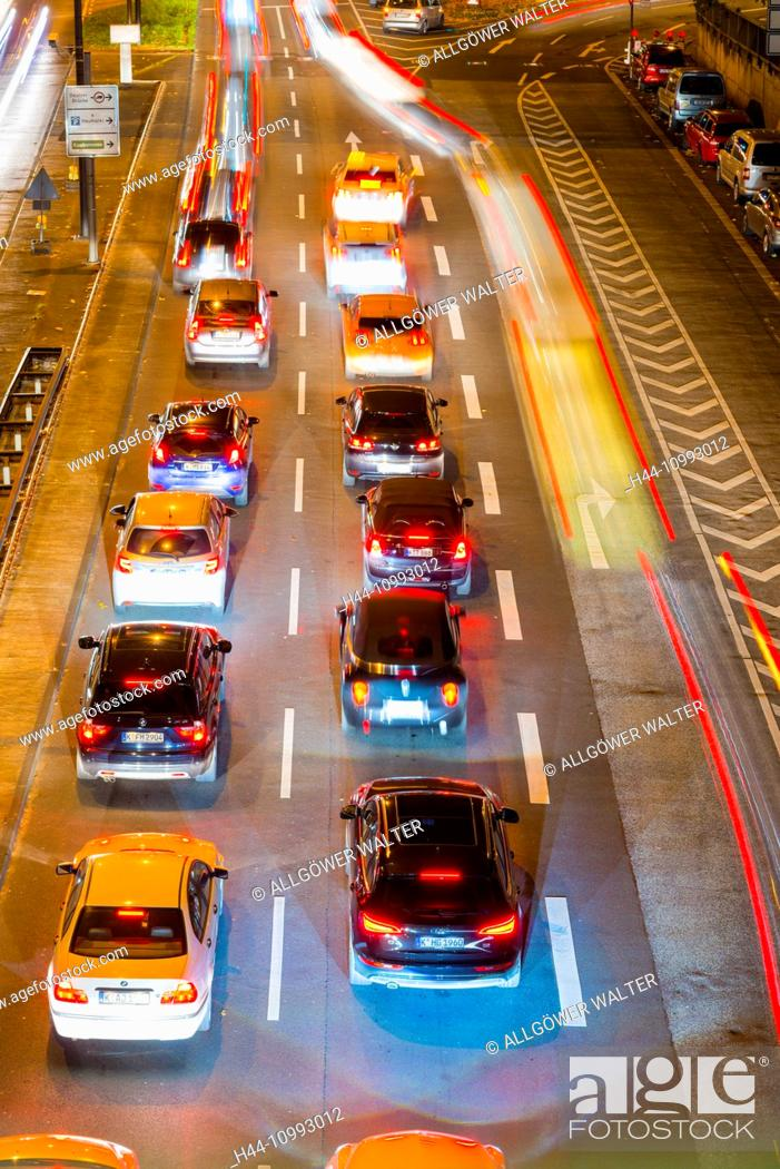 Stock Photo: Cars, Automobiles, rush-hour, traffic, blur, brake lights, Germany, Europe, automobiles, Cologne, night, North Rhine-Westphalia, commuter, Rhineland, red.