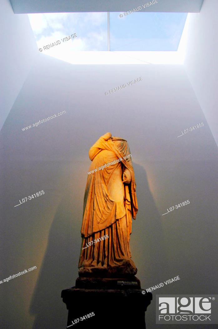 Stock Photo: Roman statue at Necropolis Museum. Carmona. Andalucia. Spain.