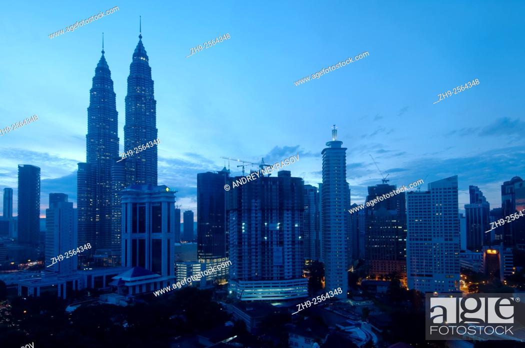 Stock Photo: Petronas Twin Towers, Kuala Lumpur, Malaysia.