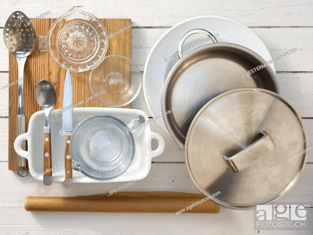 Photo de stock: Kitchen utensils for making grilled chicory with crumbs.