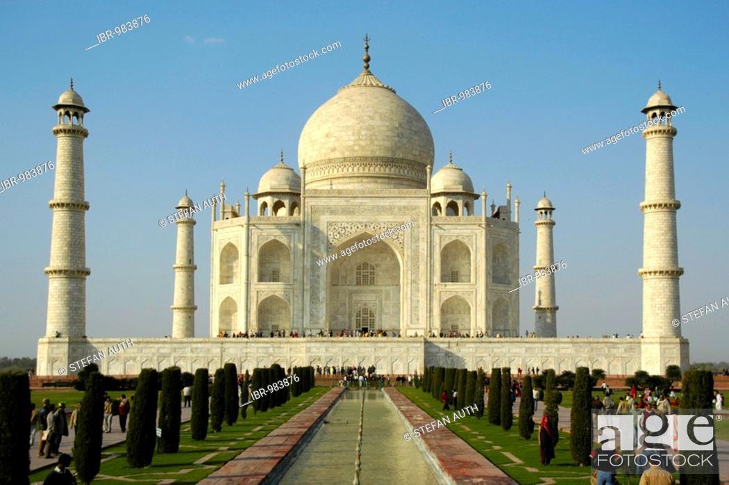 Stock Photo: Shining white building, Taj Mahal, classical shot, Agra, Uttar Pradesh, India, Asia.