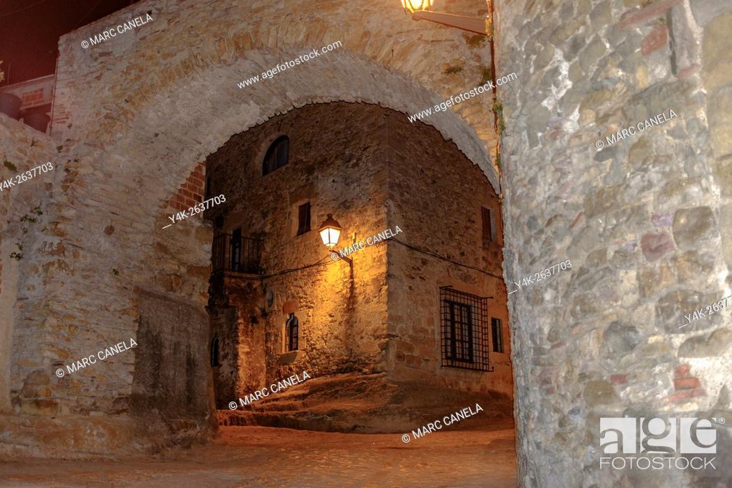 Imagen: Peratallada, Girona province, Catalonia, Spain.