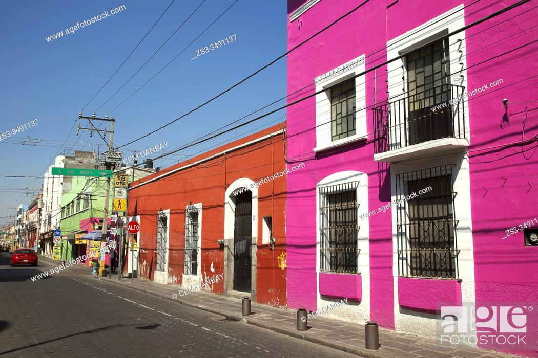 Stock Photo: View to the colonial buildings in the city center, Puebla, Puebla State, Mexico, Central America.