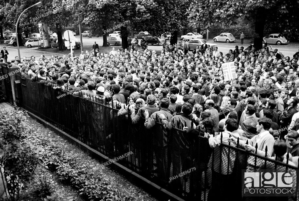 Stock Photo: Students from Frankfurt try to enter the garden of the French consulate general on 06 May 1968. About 1,500 students gathered in front of the consulate to.