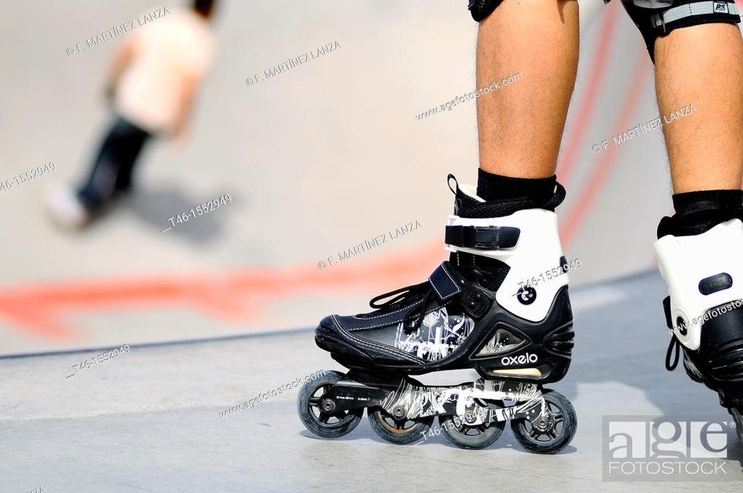 Stock Photo: Um skate boots sport in Rio Madrid.