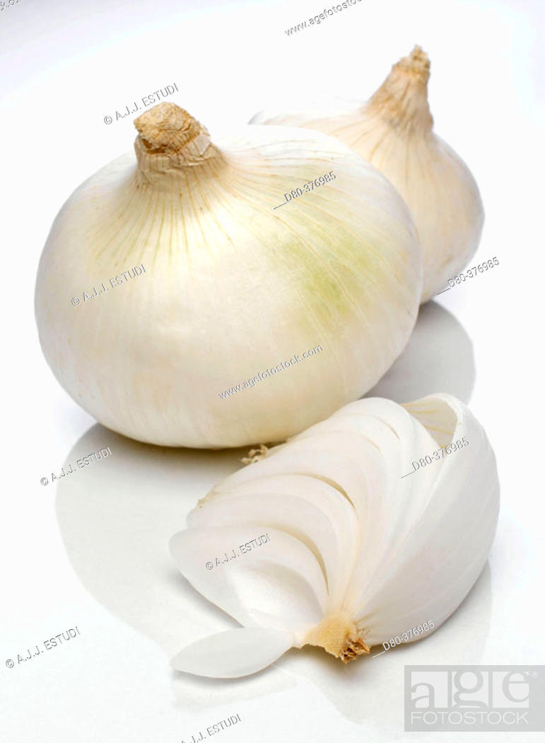 Stock Photo: Onion varieties.