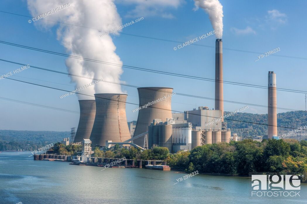 Stock Photo: The Bruce Mansfield Power Station, a coal-fired power station operated by FirstEnergy on the Ohio River near Shippingport, PA.
