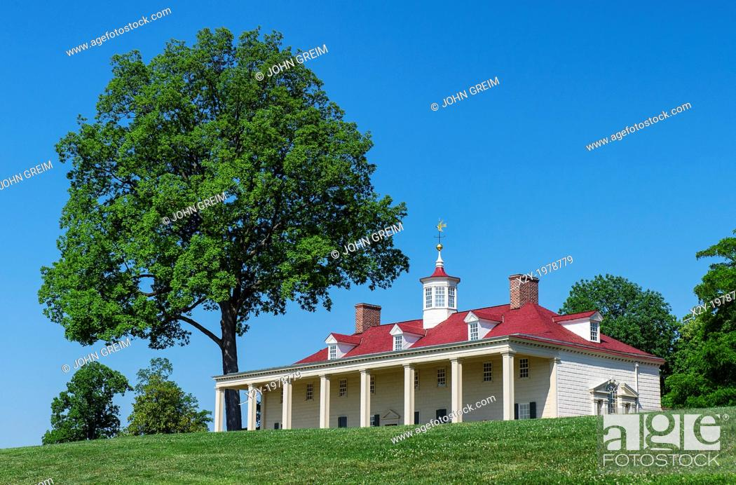 Stock Photo: Washington estate mansion at Mt Vernon, Virginia, USA.
