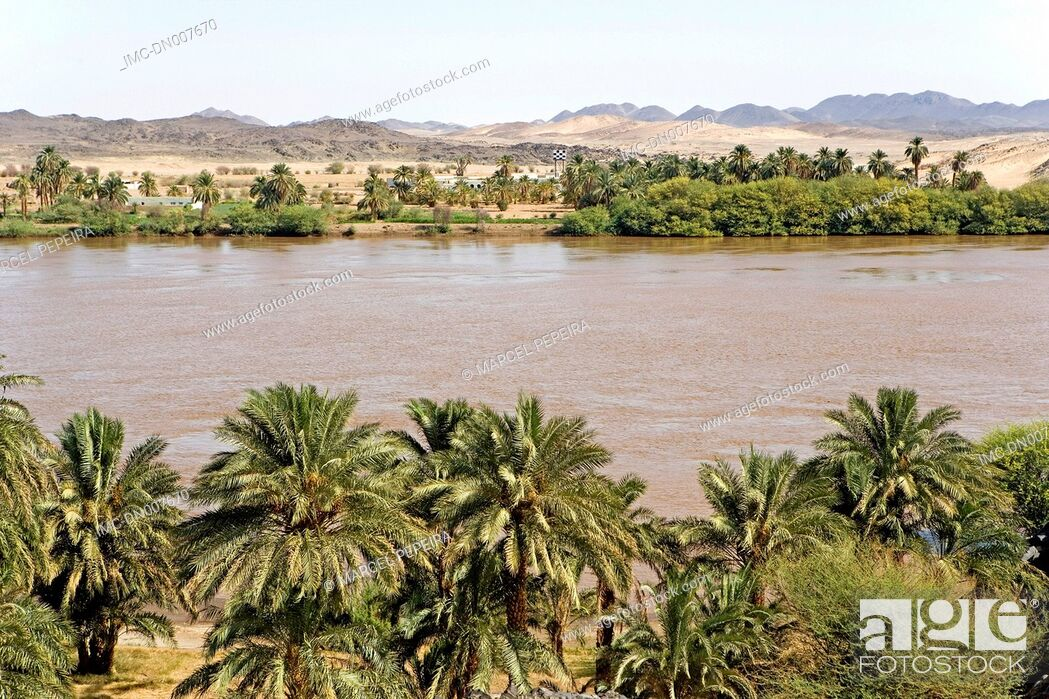 Stock Photo: Sudan, eastern Sahara, the Nile near Sesebi.