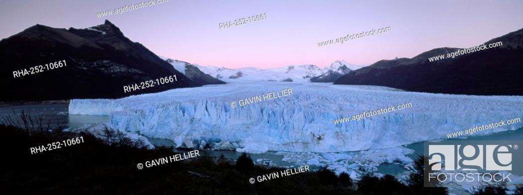 Stock Photo: Perito Moreno glacier and Andes mountains, Parque Nacional Los Glaciares, UNESCO World Heritage Site, El Calafate, Argentina, South America.