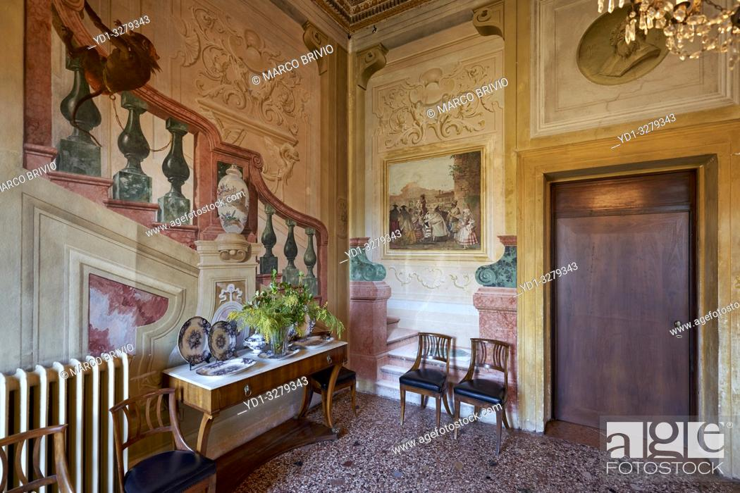 Stock Photo: Villa Valmarana ai Nani takes its name from the statues of the 17 stone dwarfs, originally placed in the garden, now on the walls surrounding the house and.