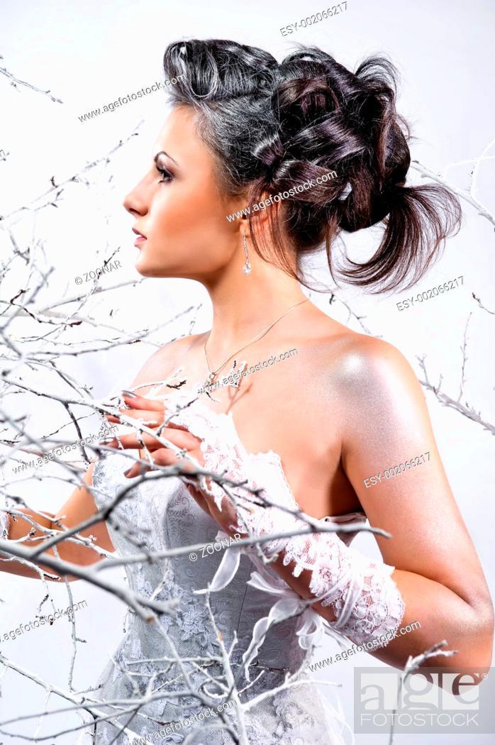 Stock Photo: Beautiful elegant young bride.