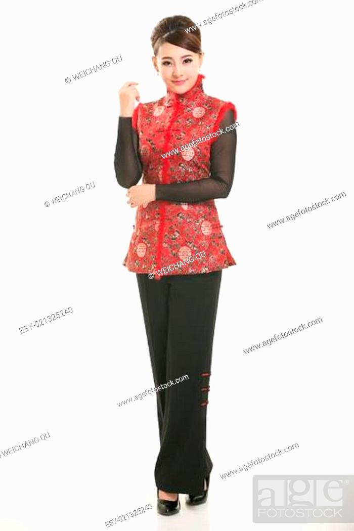 Imagen: Wearing Chinese clothing waiter in front of a white background.