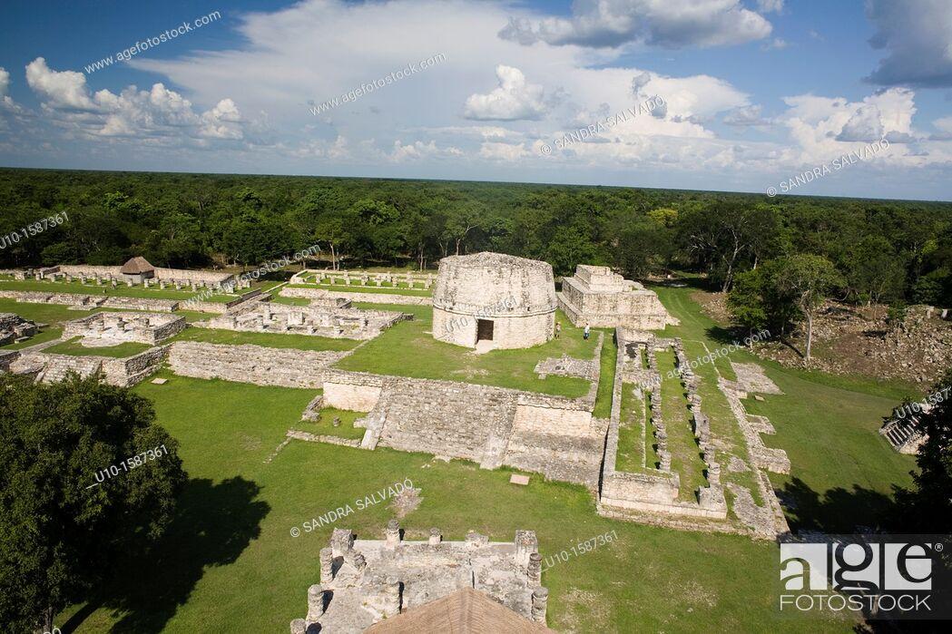 Stock Photo: Archaeological site Mayapán, Yucatan, Mexico.