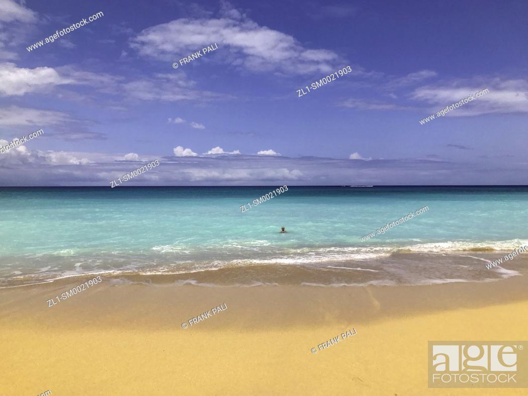 Stock Photo: Beach at H.A. Balwin Park, Maui, Hawaii, USA.