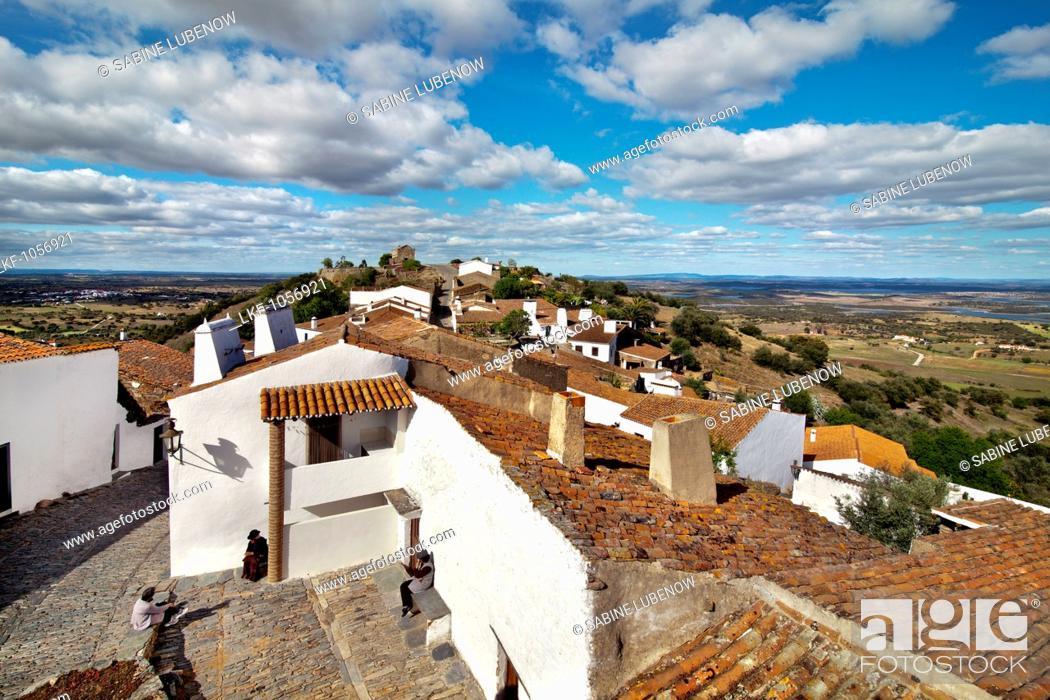 Stock Photo: View over Monsaraz, Alentejo, Portugal.