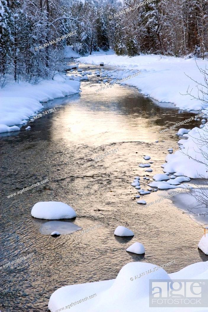 Stock Photo: Methow River, Washington, USA.