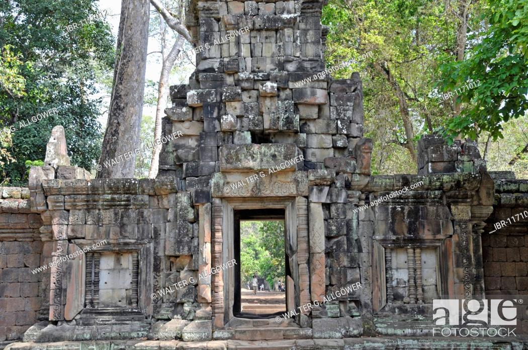 Stock Photo: Wat Baphuon, being renovated with French assistance, Angkor Wat, Siem Reap, Cambodia, Asia.