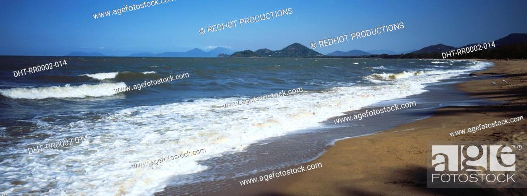 Stock Photo: Beach shoreline.