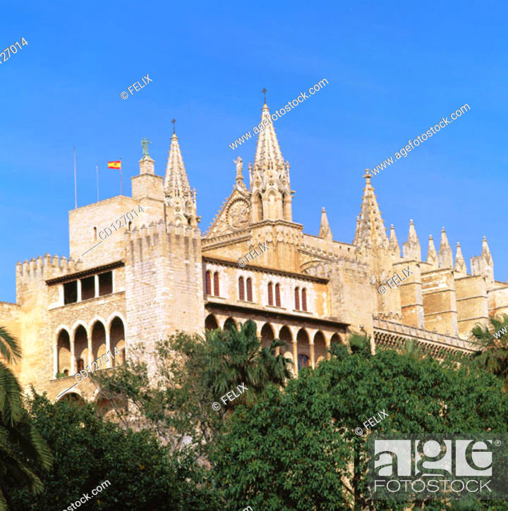 Stock Photo: Almudaina Palace, former residence of the Arab dynasty, with the gothic cathedral in background. Palma de Mallorca. Majorca. Balearic Islands. Spain.