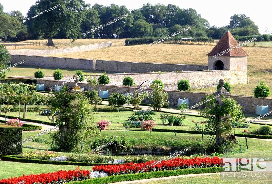 Stock Photo: Jardins 'a la francaise' du chateau de Digoine, Palinges, Saone et Loire, Bourgogne, France.