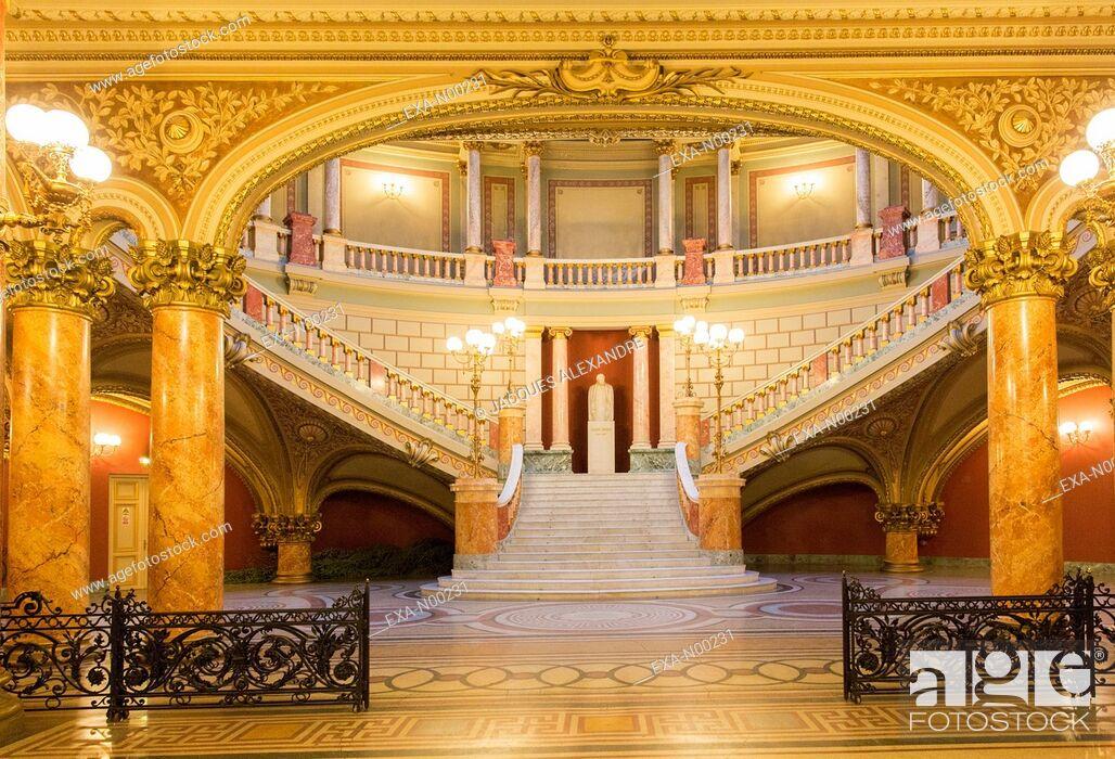 Imagen: Entrance Hall of the Romanian Athenaeum, Bucharest, Romania.