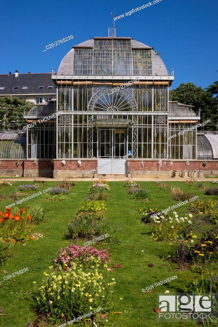 Stock Photo: Greenhouse in Jardins des Plantes, Nantes, Loire Atlantique, France.