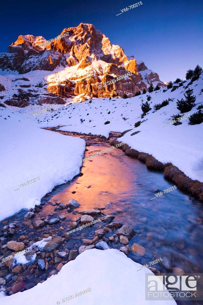 Stock Photo: Sierra Telera, Tena Valley. Huesca province, Spain.