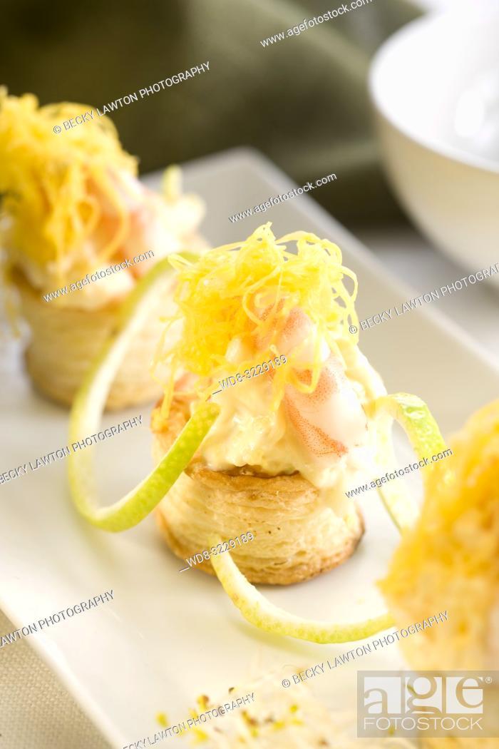 Stock Photo: Tartaleta de ensaladilla de patata y gamba cocida con mayonesa.