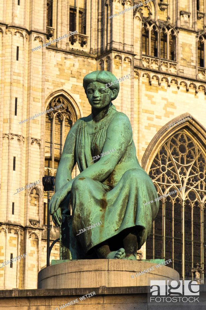 Photo de stock: Statue in front of the cathedral of Brussels, Belgium, Europe.