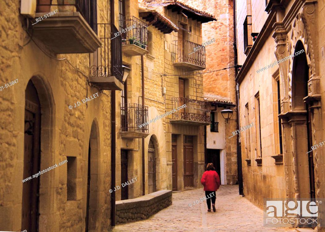 Stock Photo: Medieval street at Sos del Rey Catolico. Cinco Villas, Zaragoza province, Aragón, Spain.