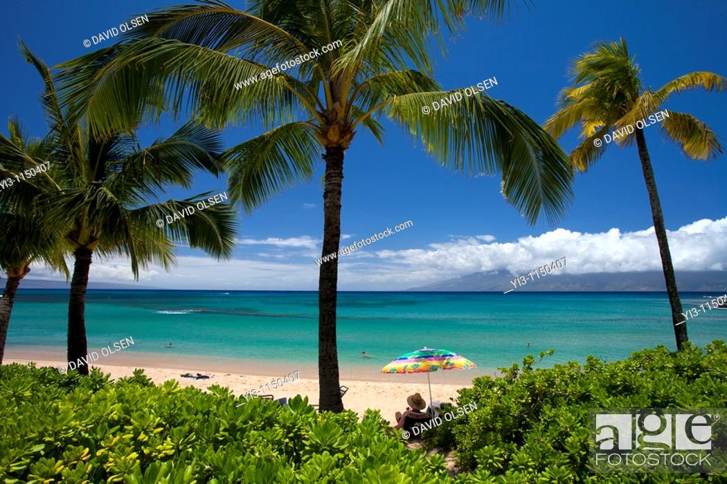 Stock Photo: A beautiful day at Napili Bay, Maui, Hawaii, USA.