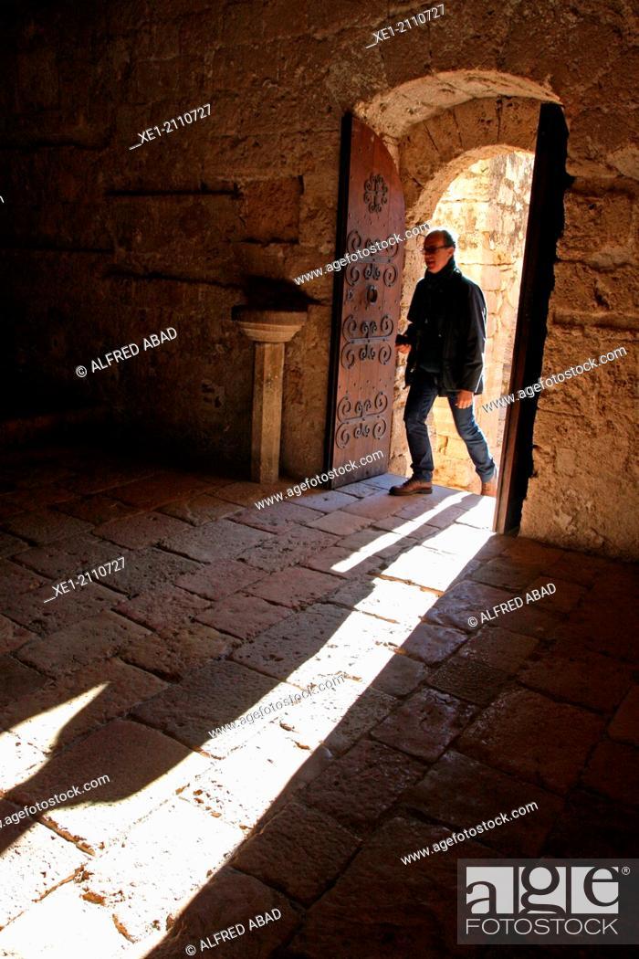 Stock Photo: Door, shadow, Santes Creus Monastery, Catalonia, Spain.
