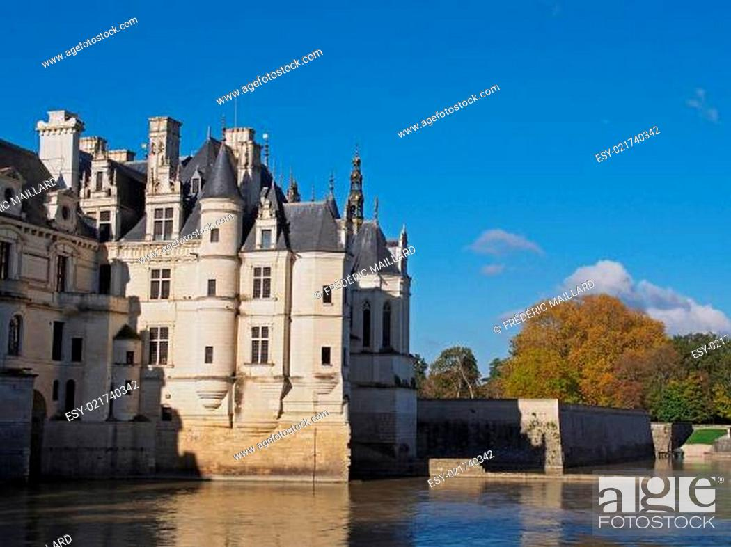 Stock Photo: Chenonceau castle in fall , Loire valley , France.