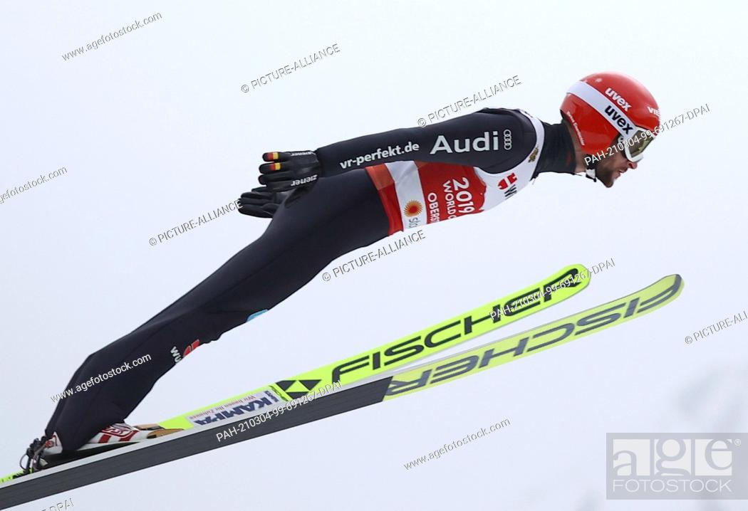 Imagen: 04 March 2021, Bavaria, Oberstdorf: Nordic skiing: World Championships, Ski jumping - large hill, men. Markus Eisenbichler from Germany during the trial round.