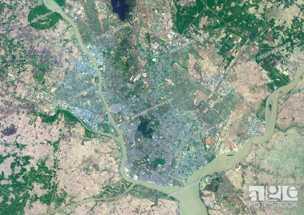 Imagen: Colour satellite image of Rangoon, Myanmar. Image taken on March 27, 2014 with Landsat 8 data.