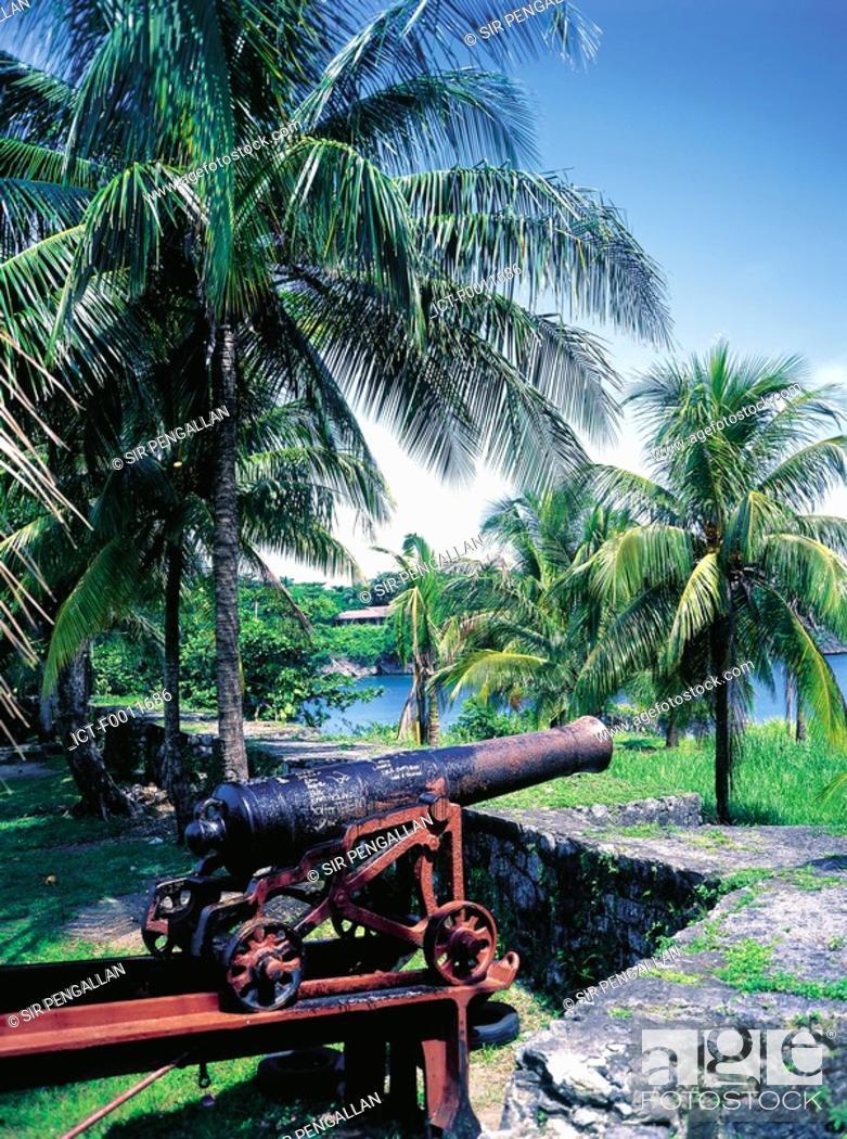 Stock Photo: Jamaica, Port Antonio, the British fort, guns.