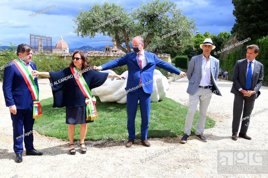 Stock Photo: The artist Lorenzo Quinn with Eike Schmidt director Uffizi Museums, deputy mayor of Florence Cristina Giachi, Stefano Giovannetti mayor of Pietrasanta during.