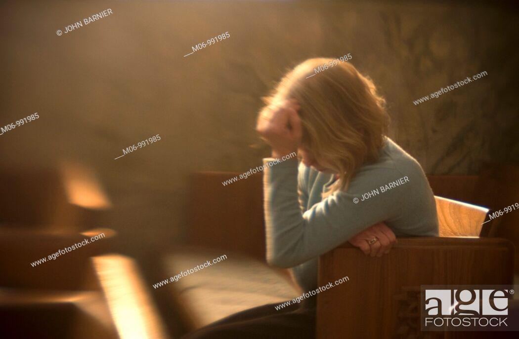 Imagen: Grief Sticken Woman.