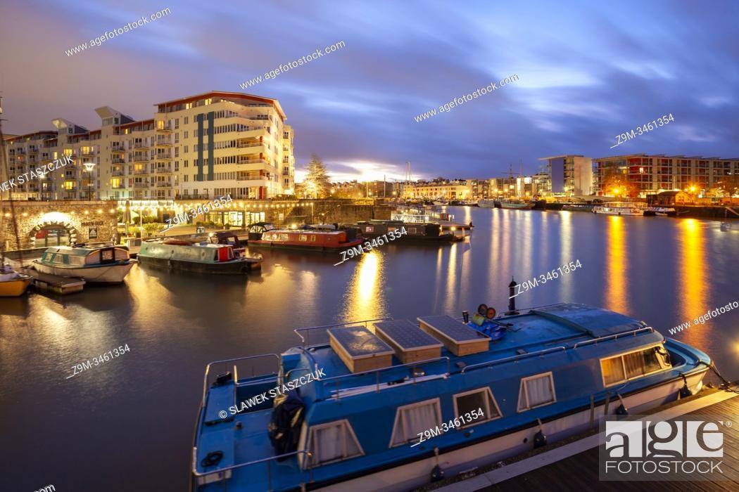 Imagen: Winter dawn at Bristol Harbour, England.