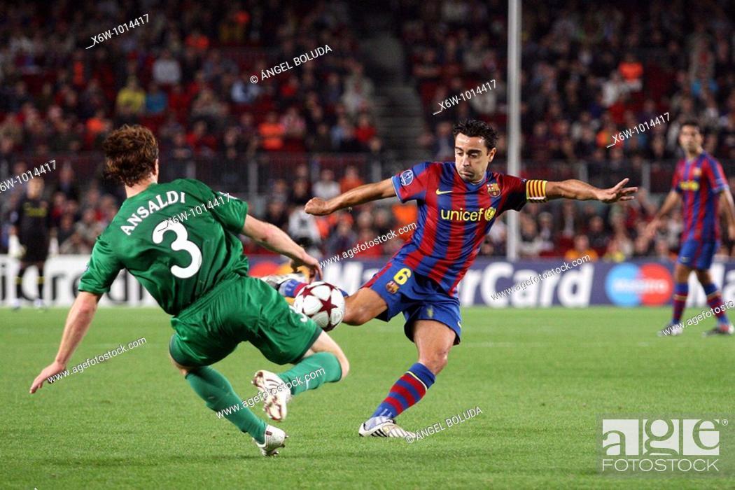 Stock Photo: Barcelona, Camp Nou Stadium, 20/10/2009, UEFA Champions League, FC Barcelona vs. FC Rubin Kazan, Xavi prepares a shot.