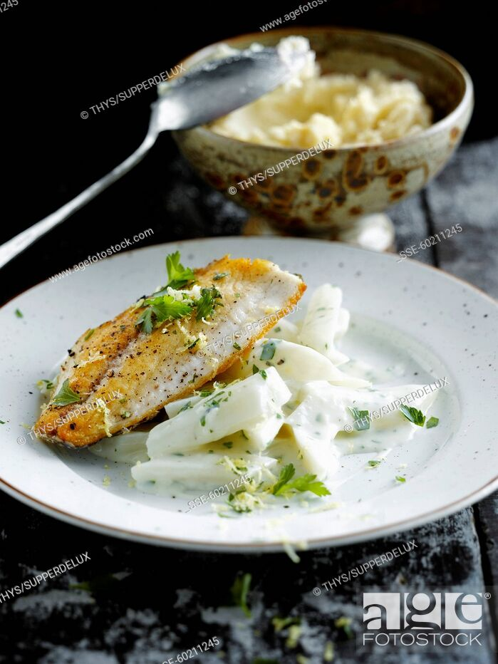 Stock Photo: Grilled sea bream and creamy salsifies with parsley.