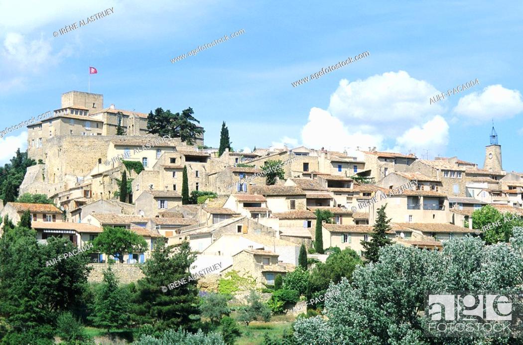 Stock Photo: Vaucluse - Haute-Provence - Luberon - Ansouis.