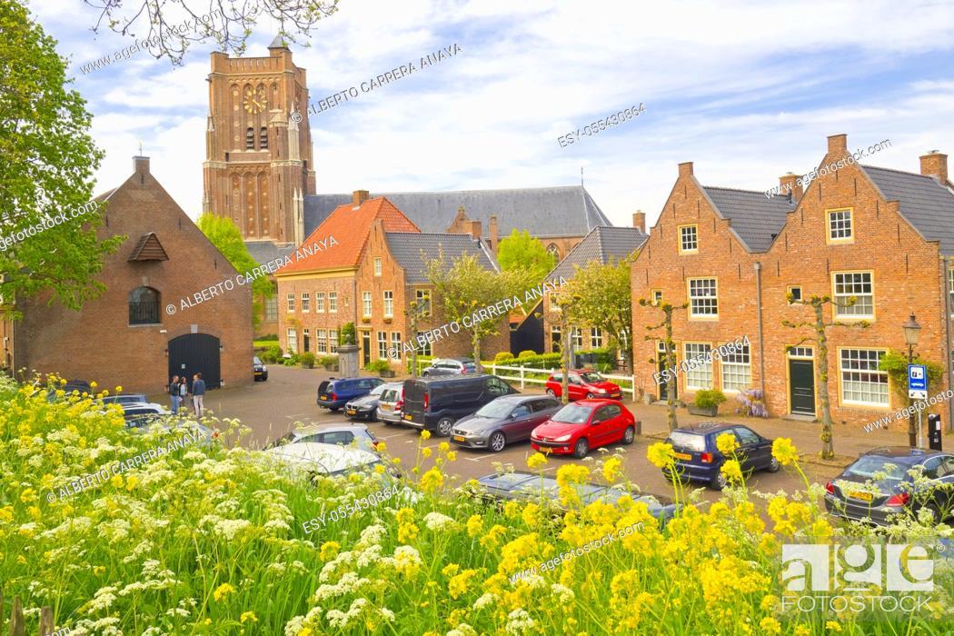 Imagen: Street Scene, St. Martin's Church, Woudrichem, Noord-Brabant Province, Holland, Netherlands, Europe.
