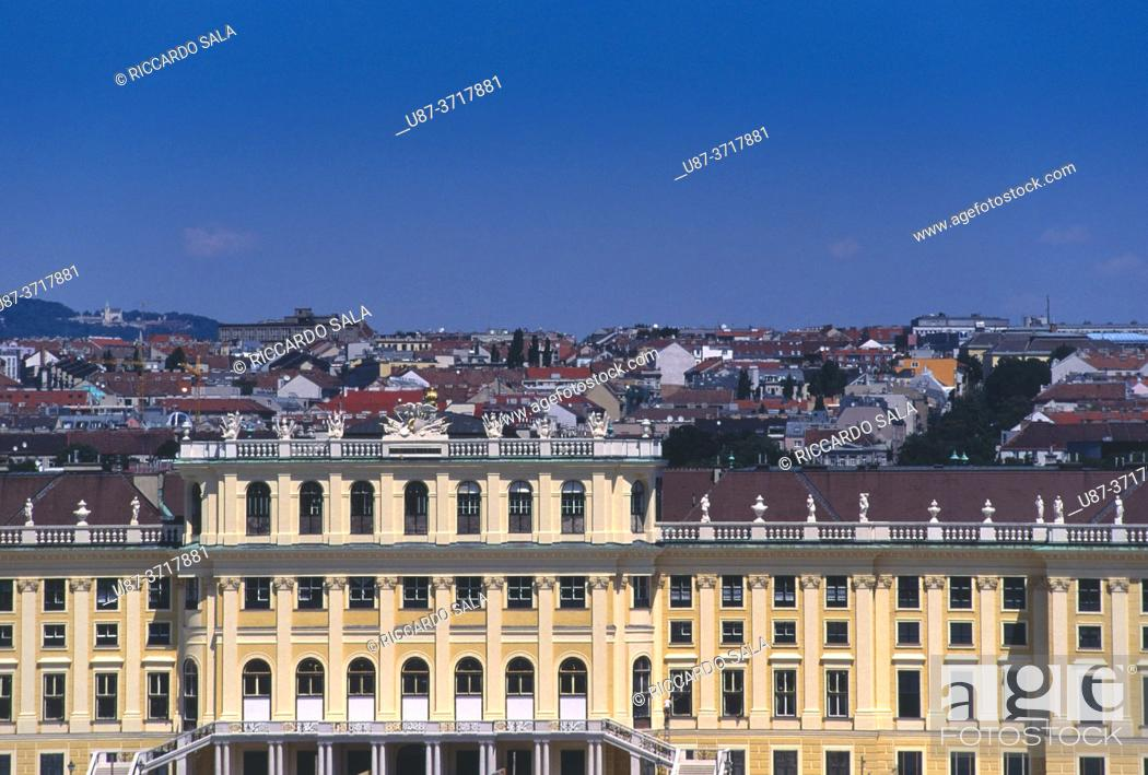 Stock Photo: Austria, Vienna, Schonbrunn Palace, Detail Facade. . . .