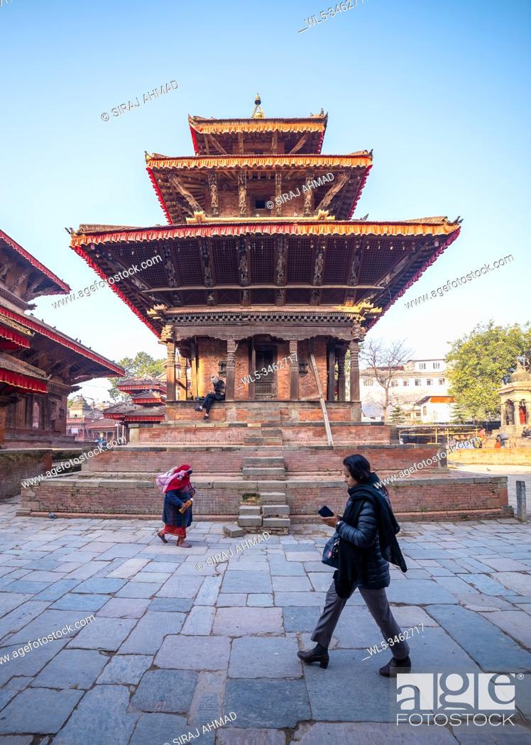 Imagen: Kathmandu, Nepal - January 19 2020: Ancient temples at Kathmandu Durbar Square in Nepal.