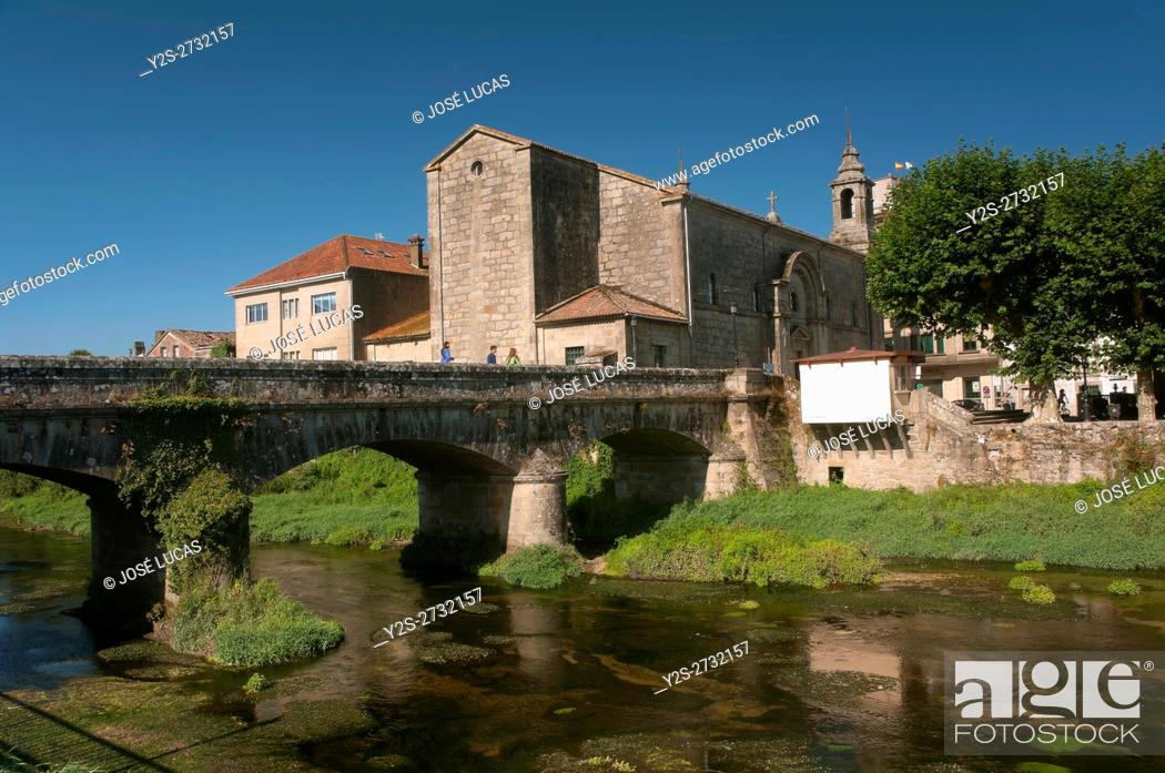 Stock Photo: Santiago church and bridge on the river Sar, Padron, La Coruña province, Region of Galicia, Spain, Europe.
