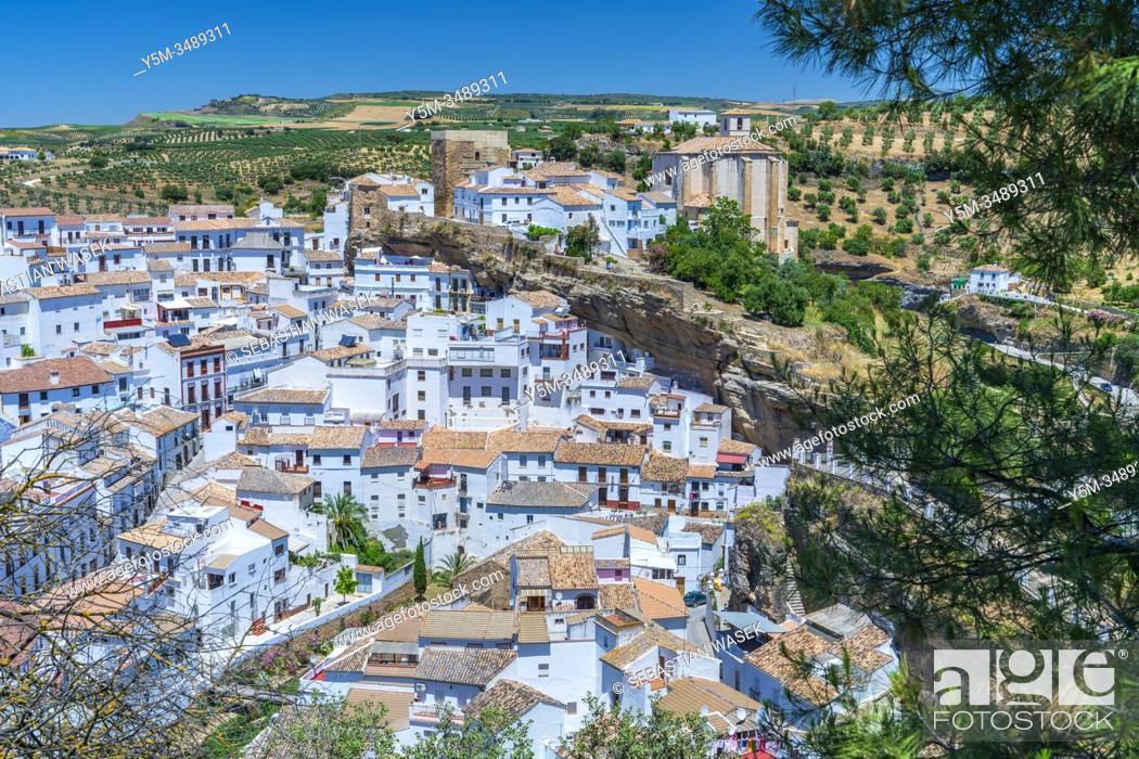 Stock Photo: Setenil de las Bodegas, Andalucia, Spain, Europe.